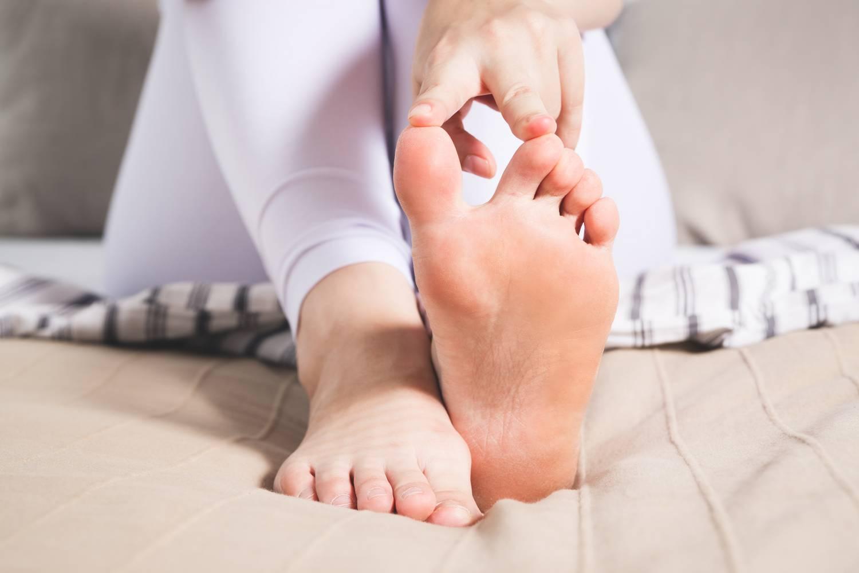 az ujjak és a lábak ízületi gyulladása