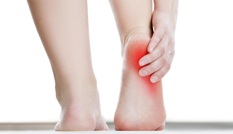 hogyan lehet enyhíteni a térdízületek súlyos fájdalmait fájdalom és zúzódások a könyökízületben
