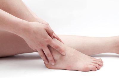 a láb ízületi fájdalmaitól ízületi törés kefe kezelése