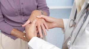 az artritisz sérült keze
