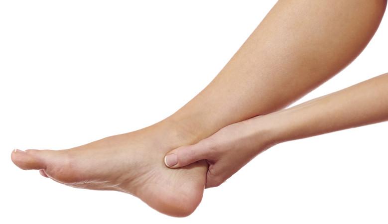 összeroppant a bokaízületben fájdalom nélkül