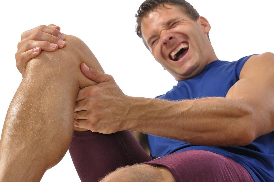 Az ujj csontja fáj, hogy mit tegyen. Fájdalmasan hüvelykujj a karon hajlításkor