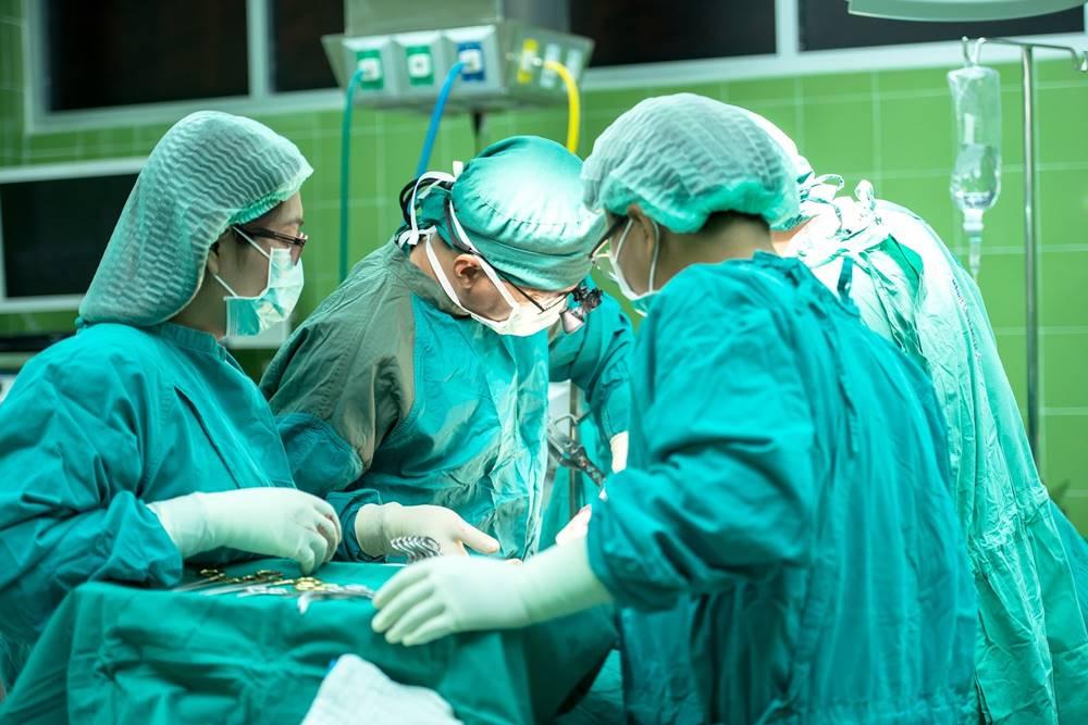 térdpótló fájdalom műtét után közös javító tabletták