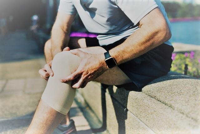 az ízületek 16-kor fájnak folyékony térdízület