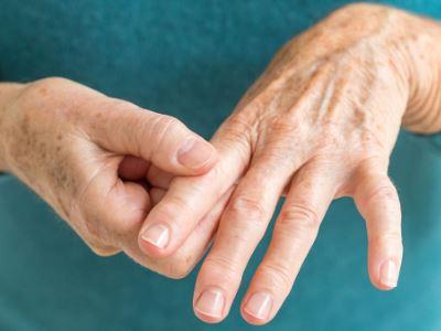 az ujjak ízületi ízületi gyulladása