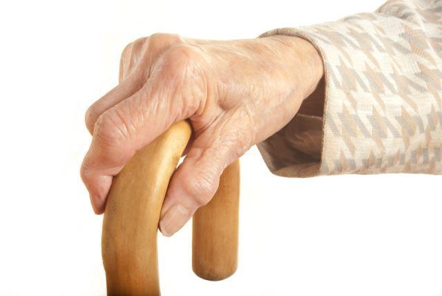 a comb és a térd duzzanata a lábujjak interfalangeális ízületeinek ízületi gyulladása