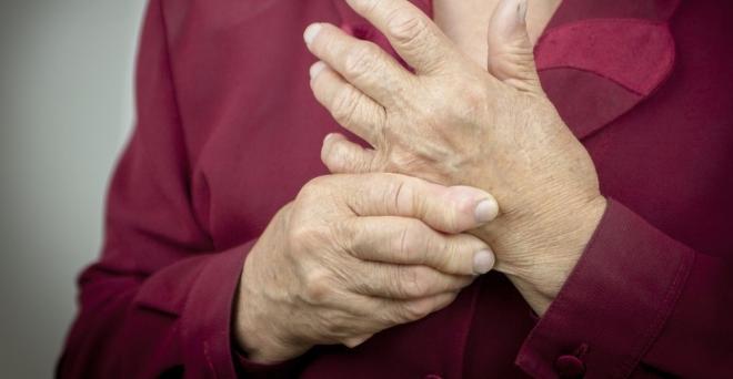 a kenőcső ujjai ízületeinek ízületi gyulladása nagy ízületek egyik oldalán fájnak