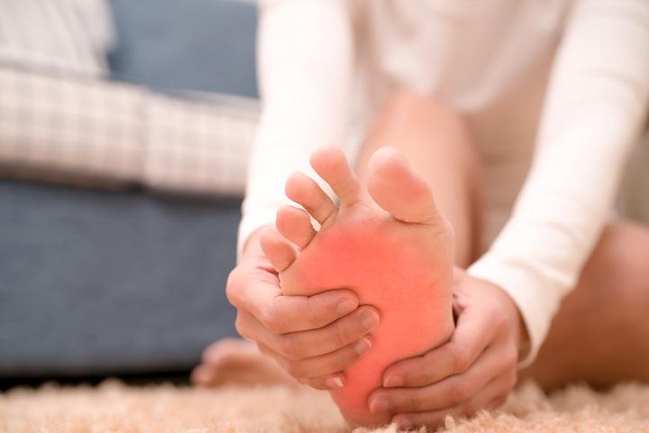 porc és csont, amelyet kötőszövetek képeznek fájdalom az ujjak ízületeinek zúzódásaival