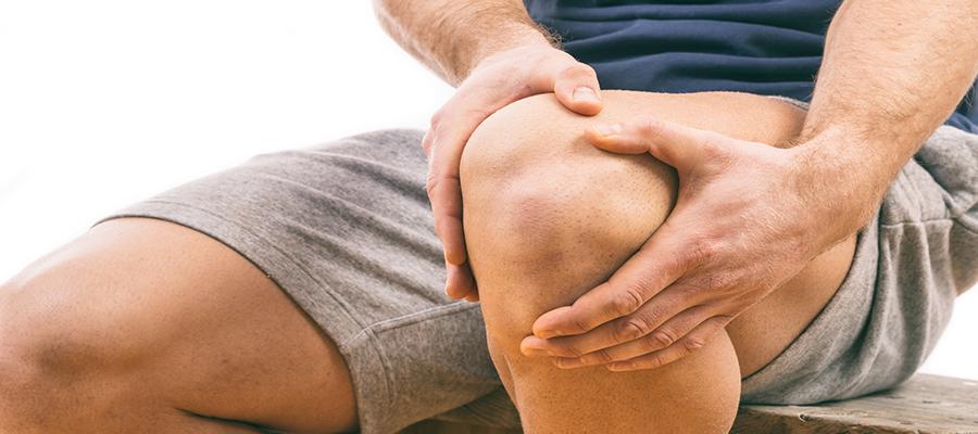 térdkalács alatti szúró fájdalom